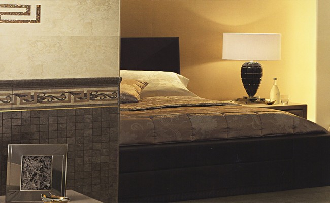 Versace Palace Almond 118000, Nero 118004
